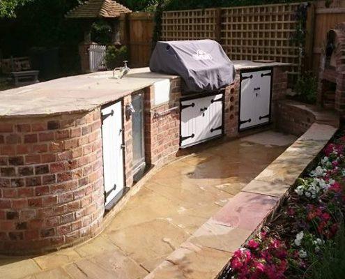 Patio & Outdoor Kitchen